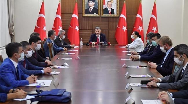 Bakan Koca Başkanlığındaki Covid-19 Toplantıları Diyarbakır'da Gerçekleştirildi