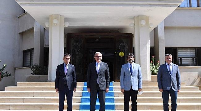 Vali Karaloğlu'ndan rektör Karakoç'a ziyaret
