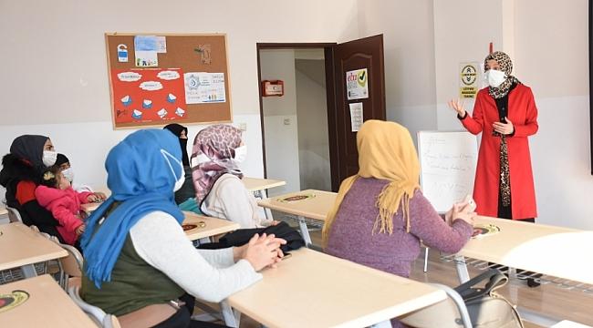 Büyükşehir'den öğrenci velilerine seminer