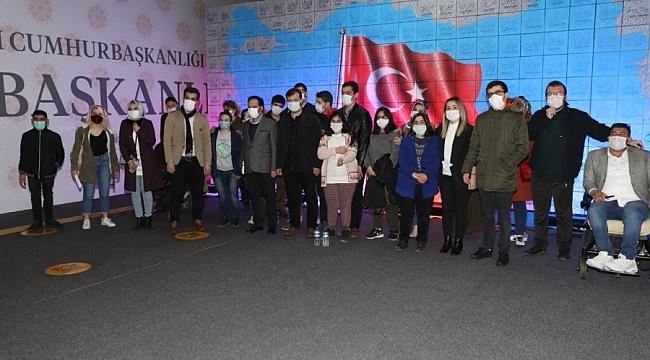 Engelli kursiyerler Dijital Gösterim Merkezi'ni ziyaret etti