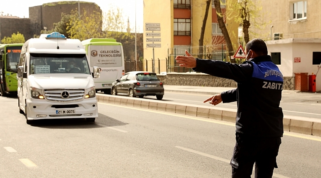 Zabıta'dan toplu taşıma şoförlerine salgın uyarısı